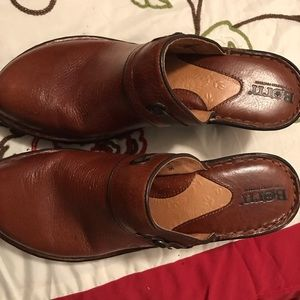 🎈Final New Beautiful brown Born shoes sz 8